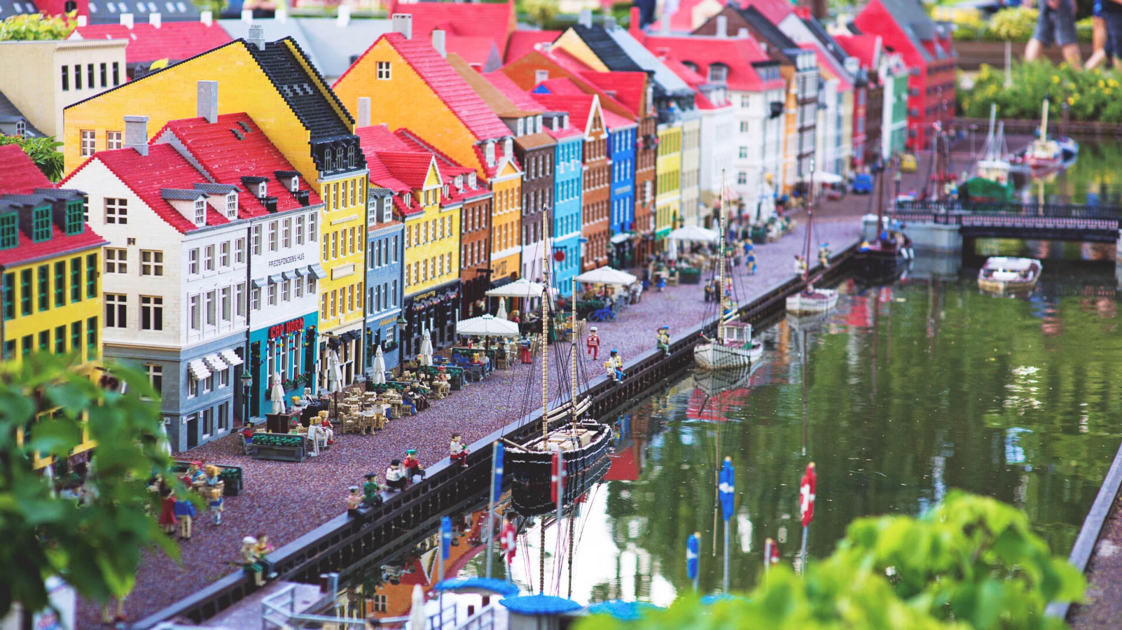 England vs Denmark: Travel Face Off